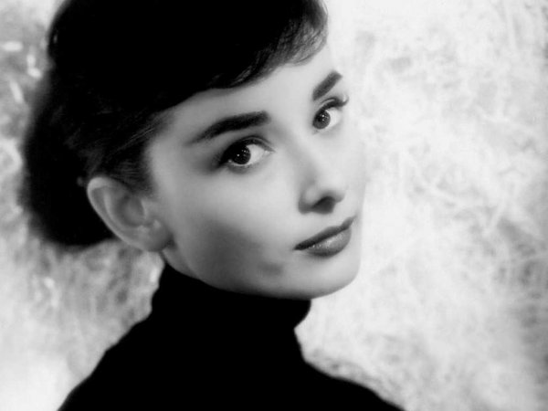 audrey-hepburn-closeup-of-makeup.jpg