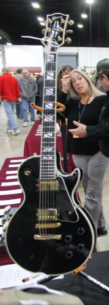 Gibson Les Paul Custom Super 400 CROPPED.jpg
