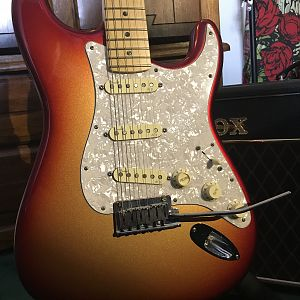 2011 USA Fender Strat Deluxe Up Close