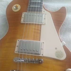 LP Std 60s Unburst top close.jpg