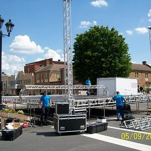 stage floor and roof beam set