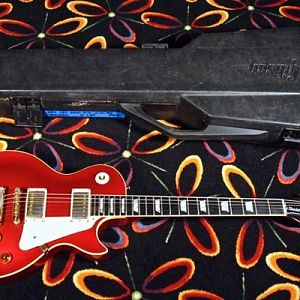 1982 Gibson Les Paul Standard Limited Edition with Ebony Fretboard & Gold Hardware Candy Apple Red 12